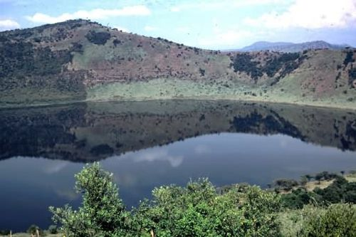 Katwe-Kikorongo-crater-lake.jpg