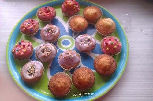 1ers-Cupcakes-decores-16-06-2012.jpg