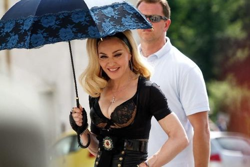 20120618-pictures-madonna-turn-up-the-radio-set-85.jpg
