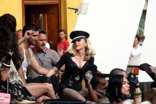 20120618-pictures-madonna-turn-up-the-radio-set-22