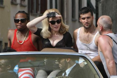 20120618-pictures-madonna-turn-up-the-radio-set-50