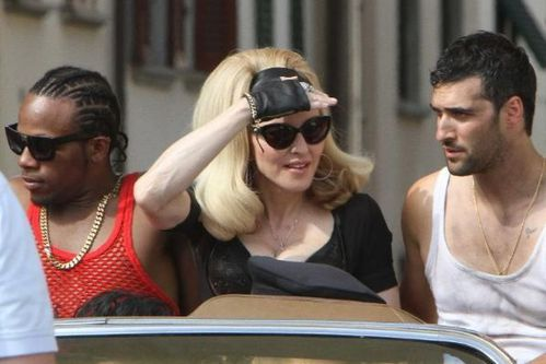 20120618-pictures-madonna-turn-up-the-radio-set-55