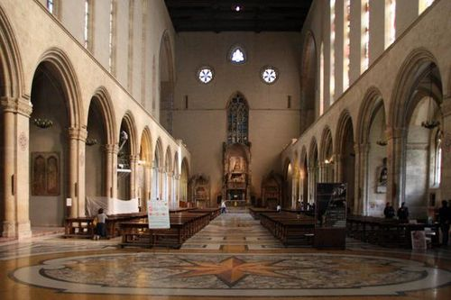 511b2 Naples, Santa Chiara