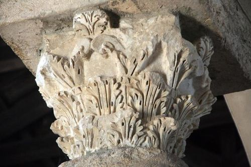 546d Paestum, basilique de l'Annunziata, chapiteau antique