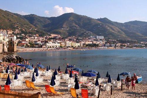 554j plage de Cefalù