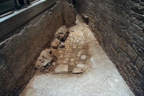 626e1 Bari, château souabe