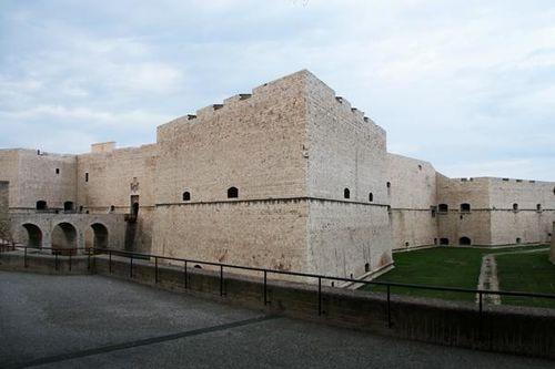 631h2 Barletta, le château souabe