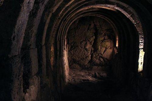 674g6a Nekromanteion, accès de l'Hadès