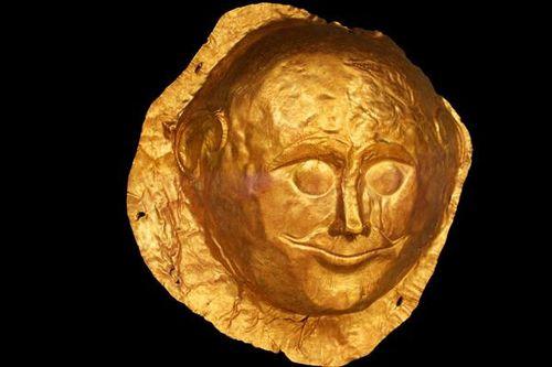 682g1b Masque funéraire, 16e siècle avt JC