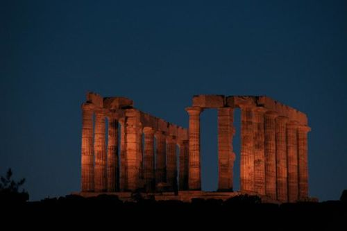 687h Le Cap Sounion de nuit