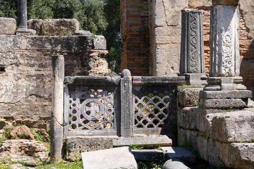 701o4 Olympie, basilique paléochrétienne dans l'atelier d