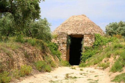 713b1a Pylos, tombe mycénienne près du palais de Nestor