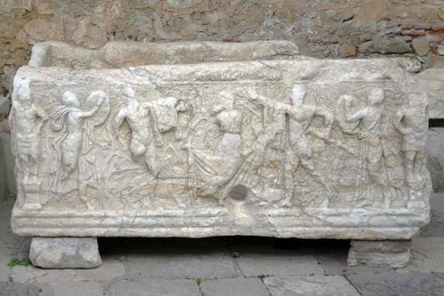 716a4 Mystras, sarcophage antique