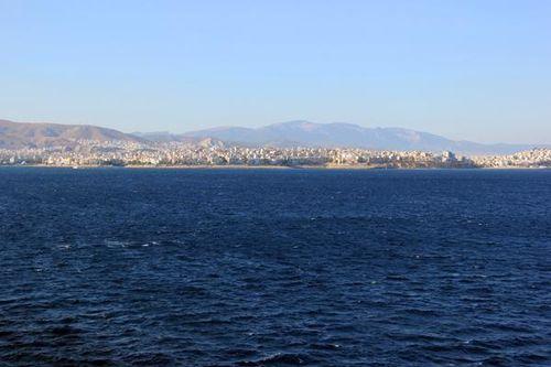 744d Le Ferry venant de Crète est en vue de l'Attique