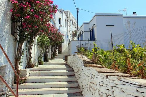 746g3 Tinos, village cycladique traditionnel