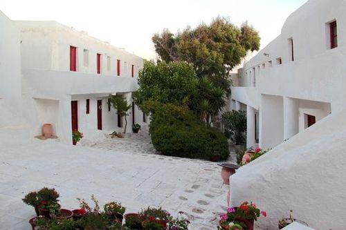 747g2 Mykonos, monastère de Palaiokastro