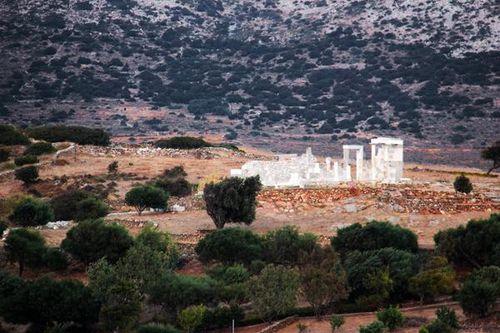755g1 le temple de Déméter à Naxos
