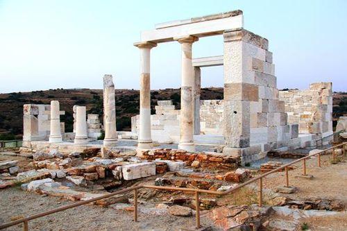 755g2 le temple de Déméter à Naxos