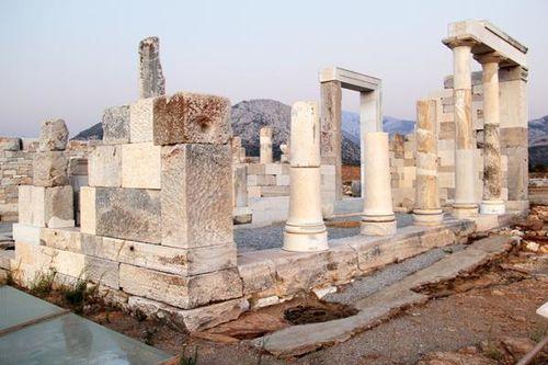 755g7 le temple de Déméter à Naxos