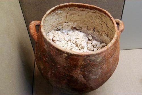 756c5 pot de plâtre, Akrotiri 17e s. avt JC
