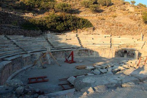 758b2 Milos, le théâtre antique