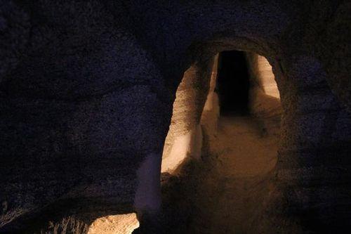 758f5 île de Milos, catacombes