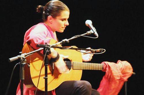 776h2 Katerina Fotinakis en concert à Athènes