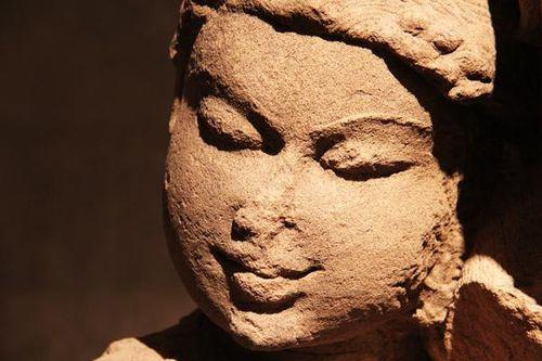 786h1 Musée Guimet, divinité de l'arbre (Inde, 10e-11e s.