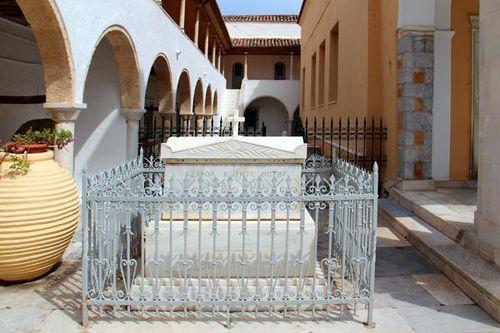 799d2 Tombe de Lazare Kountouriotis à Hydra