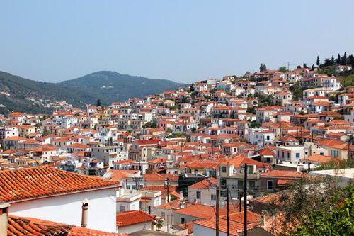 800c1 La ville, dans l'île de Poros
