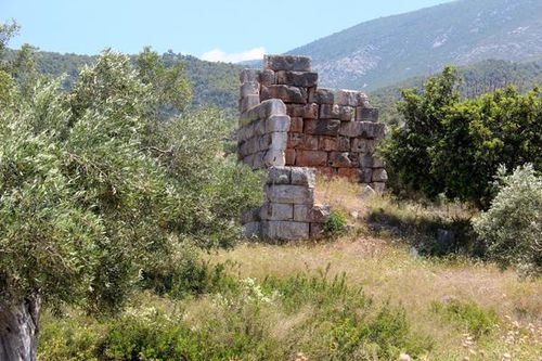 807a3 Aegosthènes, ruines d'une tour