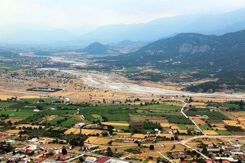 815a2 Le Pénée dans la plaine de Thessalie