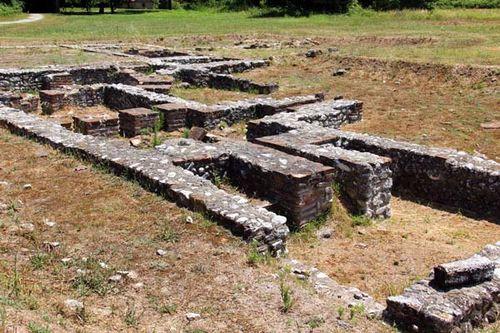 817d3 Dion, bains d'époque romaine