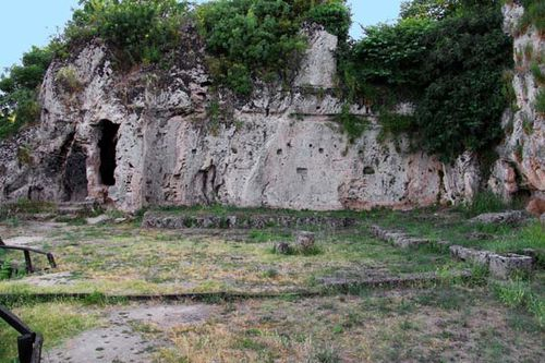 820a2 Naousa, nymphée de Mieza, l'école d'Aristote
