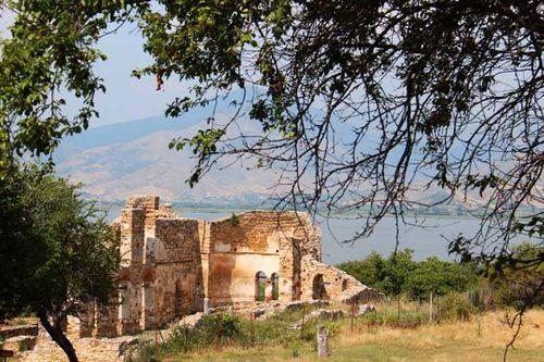 826a3 basilique Agios Achilleios, à Prespa