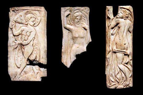 832b1 Ornements d'os, Egypte, 2e-3e siècles