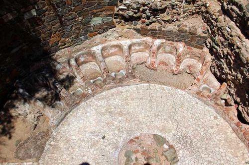 833a2 à Thessalonique, forum romain