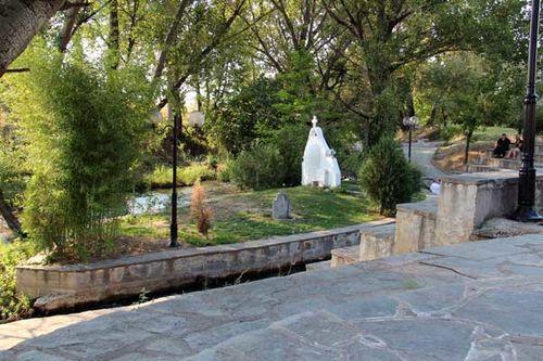 842a7 édicule commémorant le baptême de Lydie