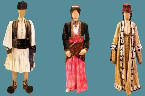 848h5 costumes traditionnels de Thrace