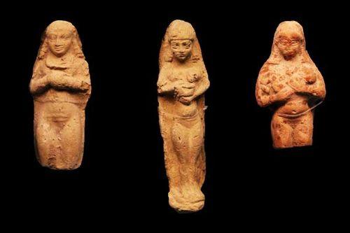 864e2 femmes allaitant, babylone, 731-539 avt JC