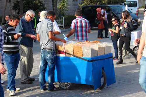 868b4 marchand de fruits secs à Istanbul
