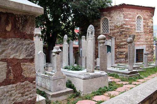 879b cimetière autour de Küçük Ayasofya