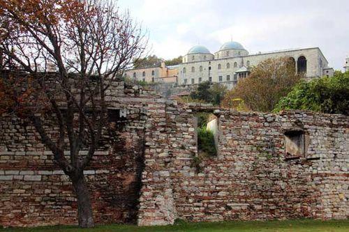 884a1 Topkapi aperçu des remparts