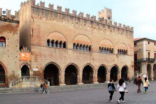 921c3 Rimini, piazza Cavour, Palazzo dell' Arengo
