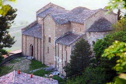 928a1 la co-cathédrale de San Leo, en Romagne