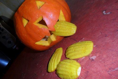 Madeleines-au-potiron-d-Halloween.JPG