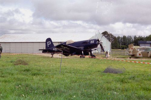 Vought F-4U corsair 6