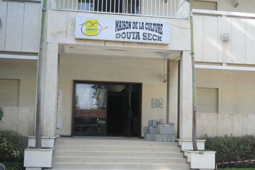 Maison-Culture-Douta-Seck20-copie-1.jpg
