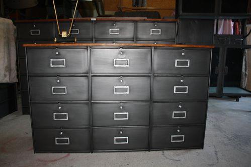 le blog de l 39 atelier deco meuble industriel atelier roneo projecteur. Black Bedroom Furniture Sets. Home Design Ideas