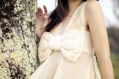 maria-lucia-hohan-bow-gown-7.jpg